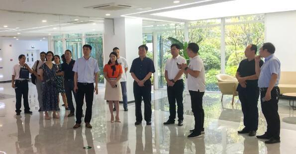 科技部中國科學技術交流中心一行蒞臨食藥機械綜合體調研考察